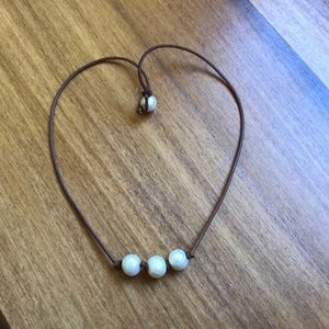 Jewelry - Three pearl necklace/choker.